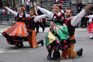 Polish folk dancers