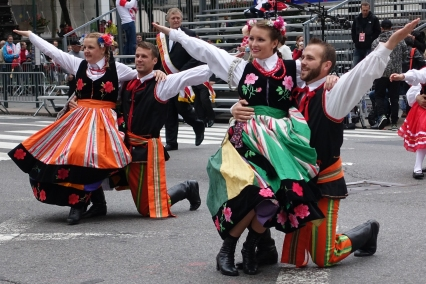 Polish folk dancers